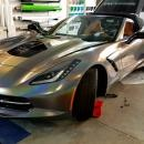 chevrolet_corvette_stingray_glos_flip_psychadelic_car_wrapping_bege_hu_3m_autofoliazas_1220_133905
