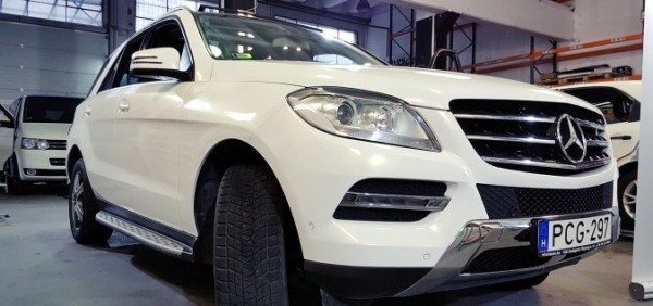 Mercedes gl 3m Gloss white sparkle autófóliázás car wrap wrapping folierung Bégé Design